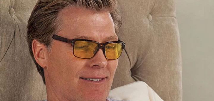 sleep promoting glasses