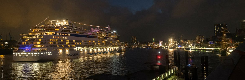 5 tips for choosing the best travel insurance for cruises.