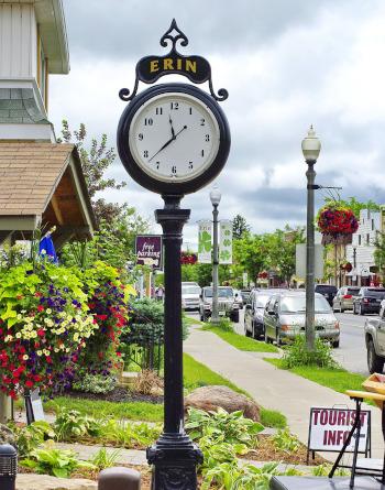 Erin, Ontario street clock.
