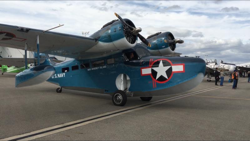 Deer Park Municipal Airport, Navy Plane