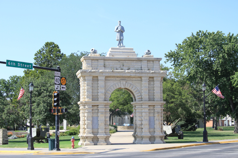 Junction City, Kansas Civil War Memorial arch