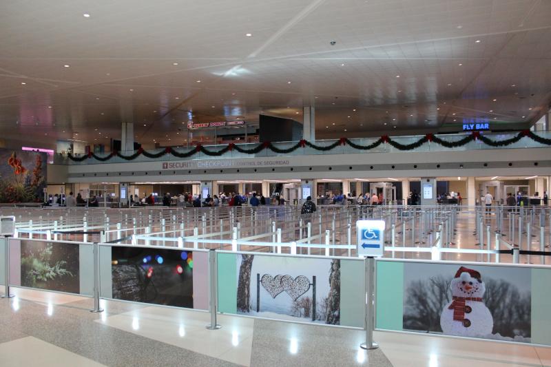 Dallas Love Field Airport (DAL) interior terminal checkpoints, dunkin donuts